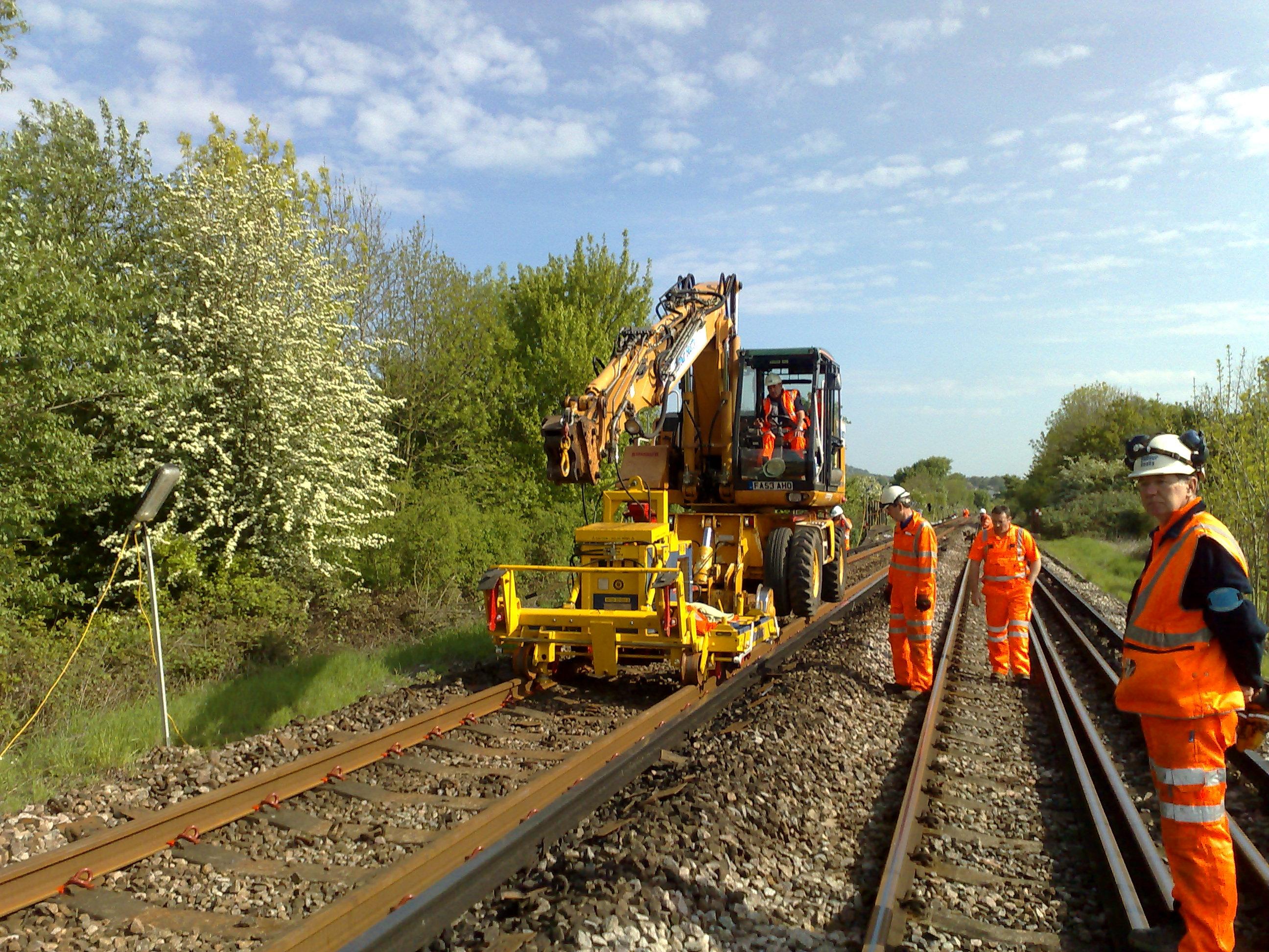 assembling of railway tracks